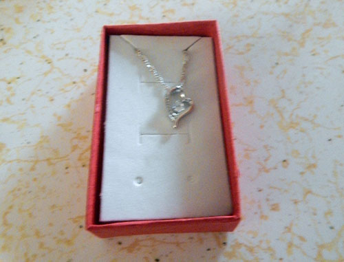 necklace-in-box